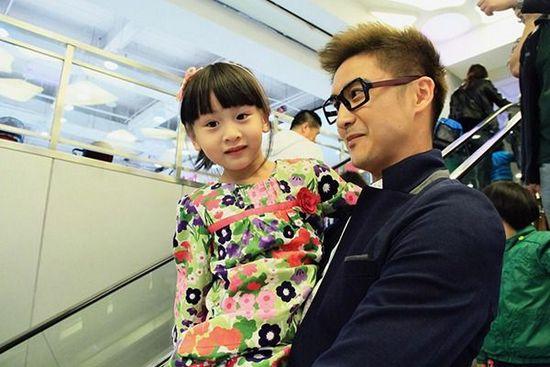 """曝""""田亮真土豪""""有9套别墅 网友""""想要 Cindy做女儿,更想要这个爸""""【图】"""